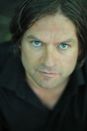 Ian Thornton Author Picture.jpg