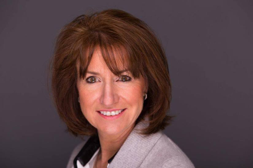 Kathryn Hughes Author Pic .jpg